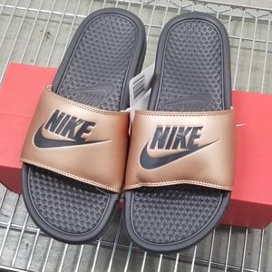 Nike Women's Benassi JDI Metallic Red Bronze